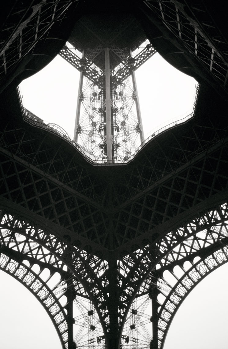 Eiffel-Tower-_clean3